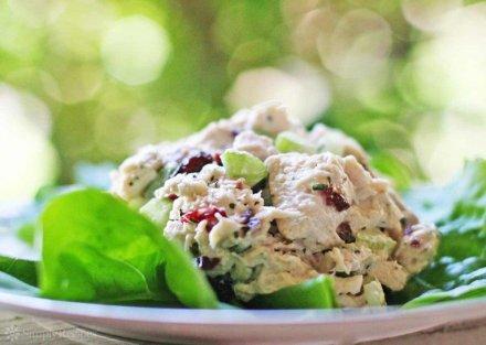 tarragon-chicken-salad-horiz-a-1200-768x547